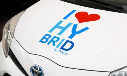 Jak ładować samochód hybrydowy i czy jest to opłacalne?