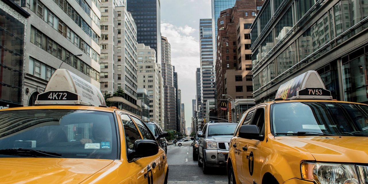 Własny samochód vs. Taksówka