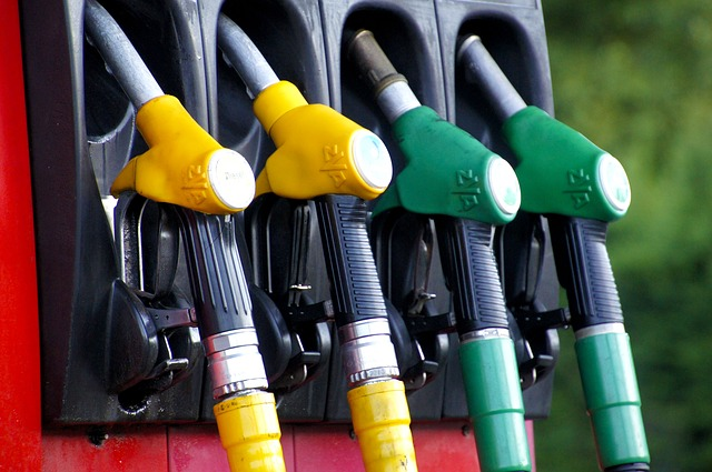 Dowiedz się czy warto korzystać z gadżetów obniżających zużycie paliwa